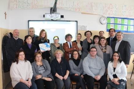 Consegna LIM - Scuola G. Rodari (RA)